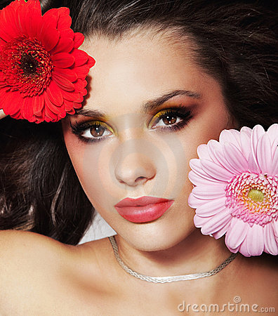 Beauty brunette with flowers