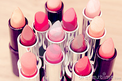 Beauty & cosmetics:lipsticks and lipgloss