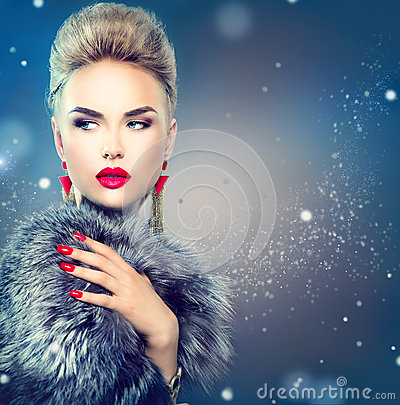 Free Beauty Fashion Model Girl In Ox Fur Coat Stock Images - 60378934