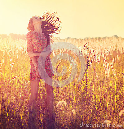 Free Beauty Girl Outdoor Royalty Free Stock Photos - 32924778