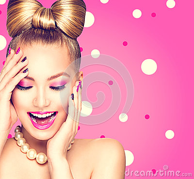 Free Beauty Model Girl With Bow Hairstyle Stock Photo - 52376220