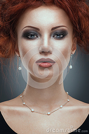 Free Beauty Portrait Of Woman In Jewelry Stock Images - 26227184
