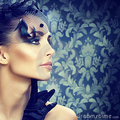 Free Beauty Portrait.Retro Styled Make-up Royalty Free Stock Images - 16688969