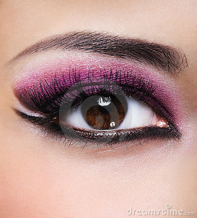 Beauty purple make-up