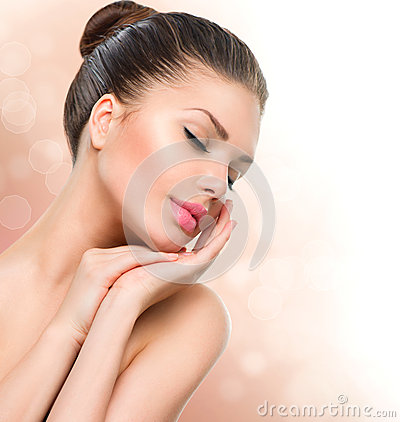 Free Beauty Spa Woman Portrait Royalty Free Stock Images - 42041039