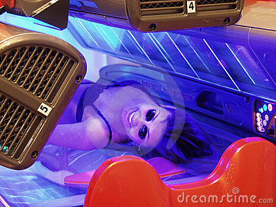 Beauty in tanning bed