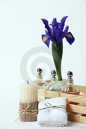 Free Beauty Treatment And Therapy, Candle, Oils, Flower, Towel Stock Images - 2053284