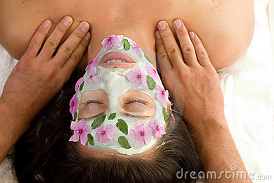 Beauty treatment mask and massage
