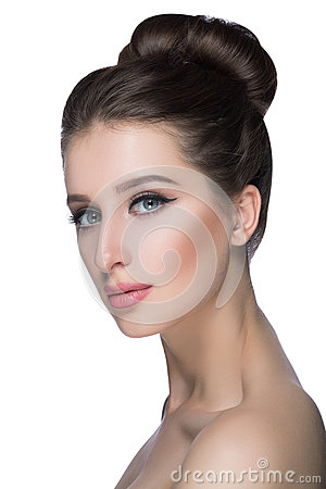 Free Beauty Woman Face Portrait. Beautiful Spa Model Girl With Perfect Fresh Clean Skin. Fashion Brunette Female Looking At Royalty Free Stock Image - 74460376