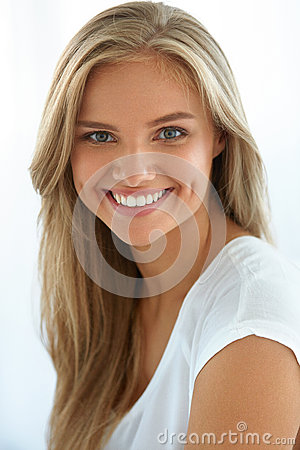 Free Beauty Woman Portrait. Girl With Beautiful Face Smiling Stock Images - 76138194