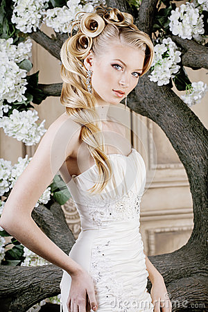 Free Beauty Young Bride Alone In Luxury Vintage Royalty Free Stock Photo - 47080695
