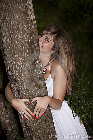 Beauty young woman that loves nature
