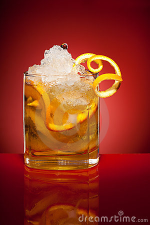 Bebida alaranjada do rafrescamento