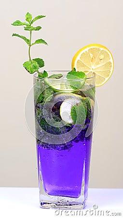 Bebida de la soda de la menta y del limón