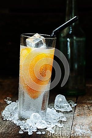 Bebida del alcohol del mango