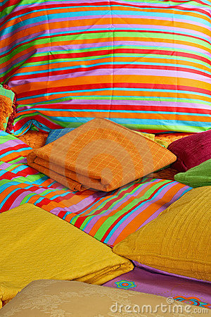 Free Bedding And Sheets Royalty Free Stock Photos - 4283238