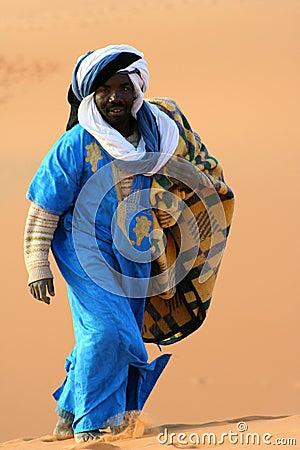 El vianshou marino Bedouin-in-desert-sahara-thumb9807350