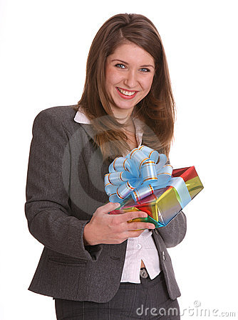 Bedrijfs vrouw met giftdoos.