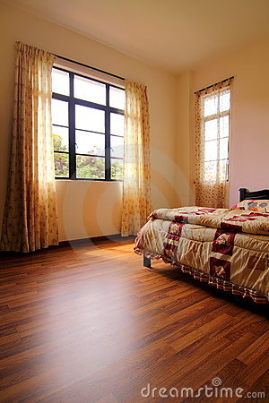 Free Bedroom With Hardwood Flooring Royalty Free Stock Photo - 15475815