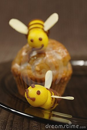 Bee muffin