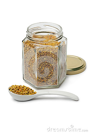 Bee pollen in a pot and on a spoon