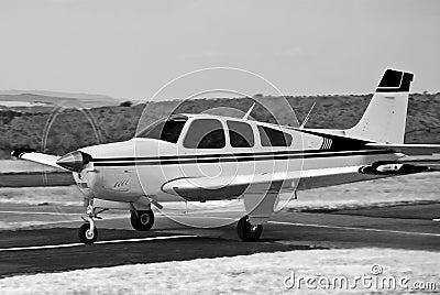 Beechcraft Bonanza - BW