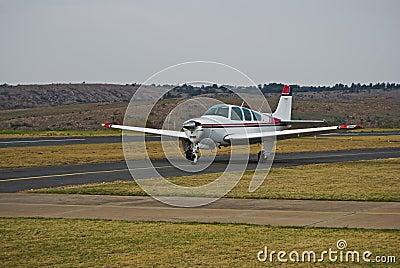 Beechcraft Bonanza - Wider Angle