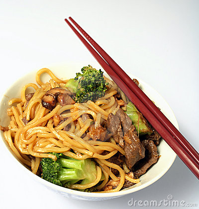Free Beef Chow Mein Chopsticks Bowl Stock Photography - 3811142