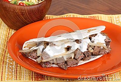 Beef Pita With Sauce