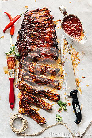 Free Beef Ribs With Bbq Sauce Stock Photo - 86735600