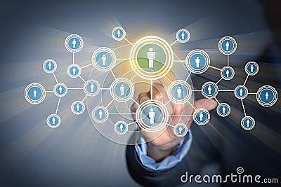 Beeld van mannetje wat betreft pictogram van sociaal netwerk