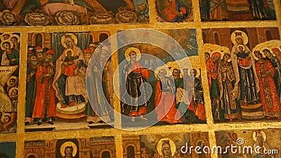 Beelden van scènes van Heilig Boek binnen heilige kerk, Joodse ster en motieven, stock footage