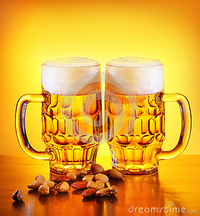 Free Beer And Nuts Royalty Free Stock Photo - 26538175