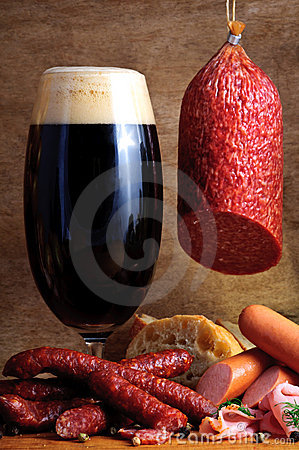 Free Beer And Traditional Sausages Stock Photo - 21187720