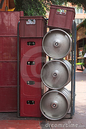 Free Beer Crates And Steel Kegs Stock Images - 19817434