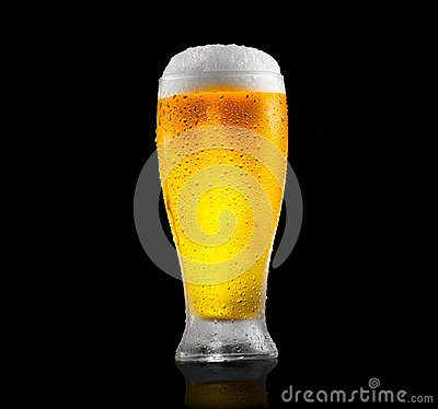 Free Beer. Glass Of Cold Beer With Water Drops. Craft Beer Isolated On Black Royalty Free Stock Photos - 94979128