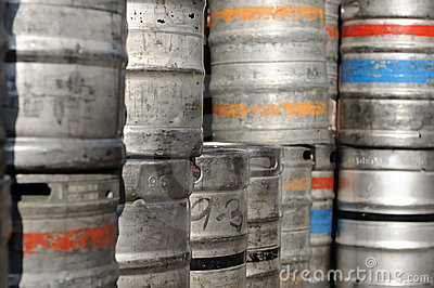 Beer kegs with colour lines