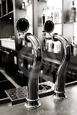 Free Beer Taps Royalty Free Stock Images - 11622409