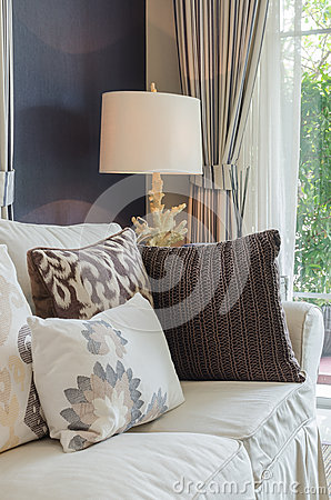 Beige Soffa I Vardagsrum Arkivfoto - Bild: 40541380