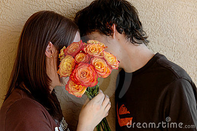 Beijando adolescentes