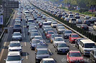 In Beijing ,Traffic congestion is very serious.Vehicles traveling in ...