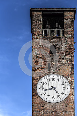 Free Bell Tower With Clock Royalty Free Stock Photos - 41505038