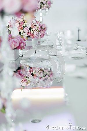 Belle disposition de table de mariage photo stock image 62442504 - Disposition de table mariage ...