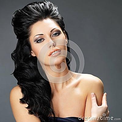 fellations de brunes belle femme image