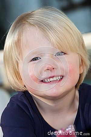Belle petite fille blonde aux yeux bleus amicale photo stock image 40040058 - Fille yeux bleu ...