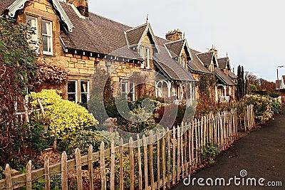 Belle vecchie case scozzesi tradizionali immagini stock for Case tradizionali