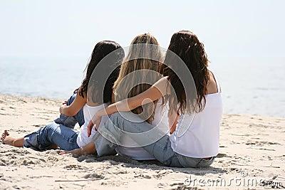 Belles filles sur la plage