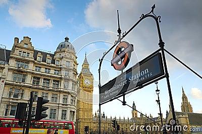 Ben grande e Westminster postam o sinal, Londres Foto de Stock Editorial