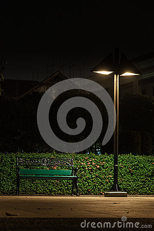 Free Bench Under A Lamp Stock Photography - 37856352