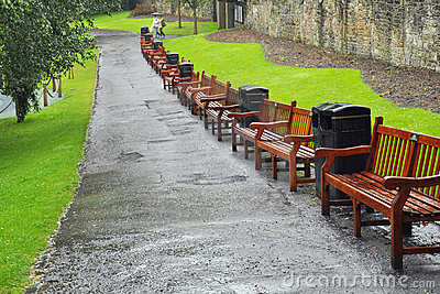 Benches gatan för edinburgh trädgårdprinces